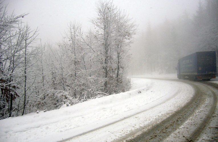A venit IARNA în România. Ploi, ninsori și haos în aproape toată țara