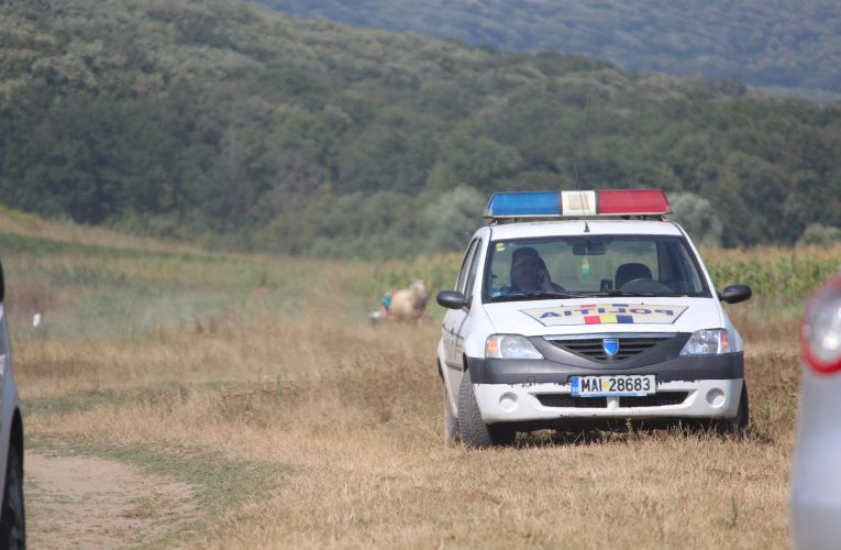 Un hoț minor prins de polițiști la furat. S-a ales cu dosar penal